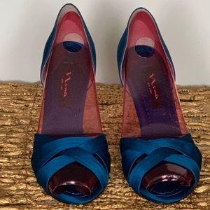 """Nina Satin """"Cadence"""" Heels, 8.5 Azul Blue"""